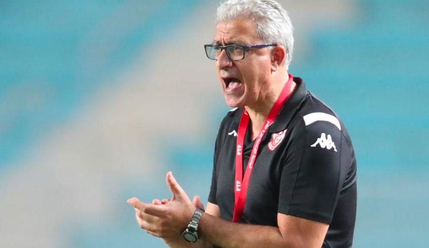 Equipe de Tunisie : Mondher Kebaier sur une chaise éjectable