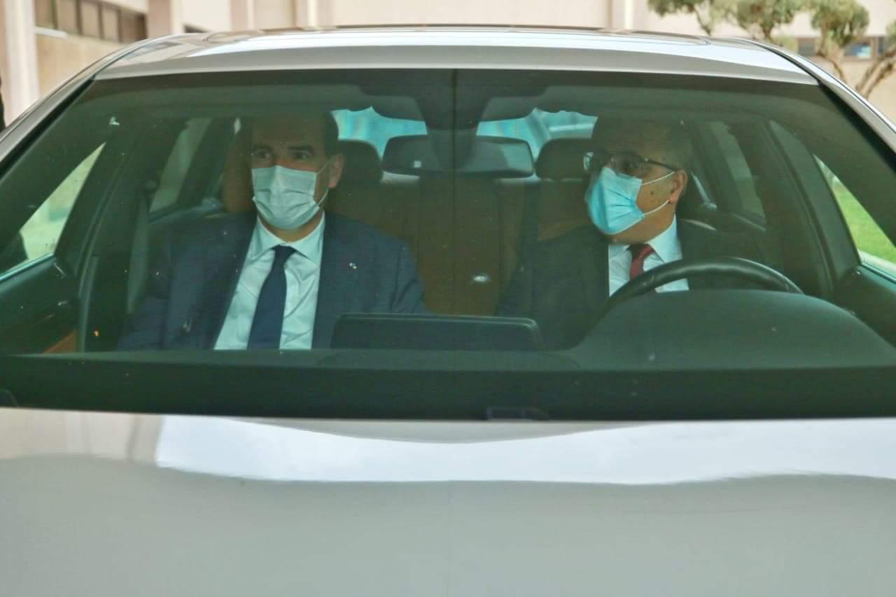 Tunisie : Hichem Mechichi accompagne son homologue français vers l'aéroport de Tunis-Carthage