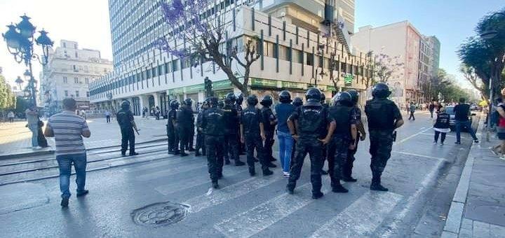 Tunisie – VIDEO: Affrontements entre la police et des protestataires à l'avenue Habib Bourguiba
