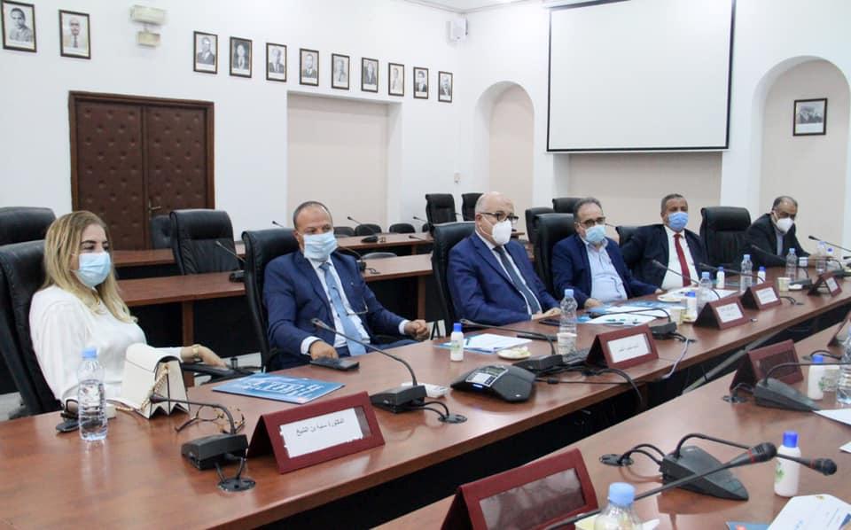 Tunisie- Le ministre de la Santé se réunit avec ses prédécesseurs
