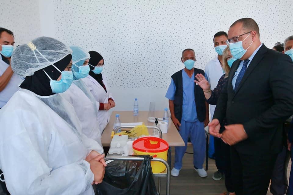Tunisie-Zaghouan: Hichem Mechichi supervise l'état d'avancement de la campagne de vaccination