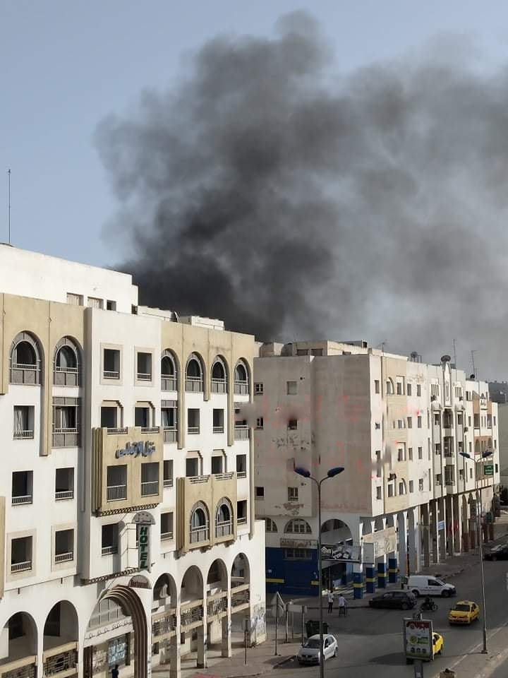 Sfax [PHOTOS] : Un grand incendie décime 36 locaux commerciaux