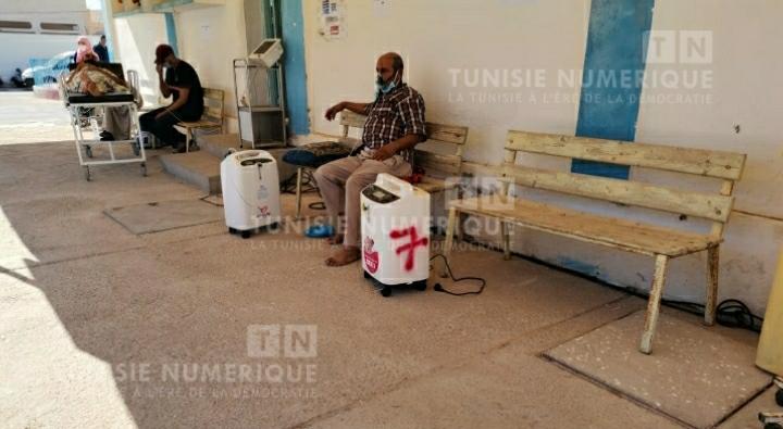 Médenine: Des patients Covid-19 reçoivent de l'oxygénothérapie en dehors de l'hôpital