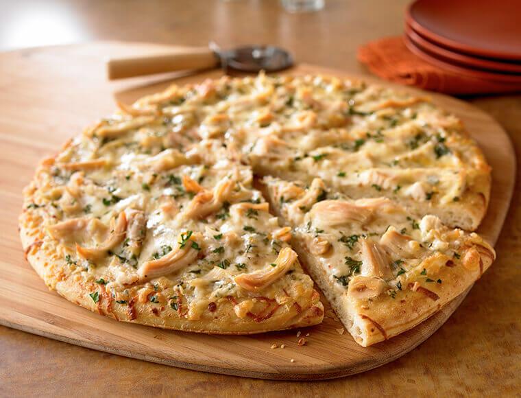 Recette : Pizza à la sauce blanche et au poulet