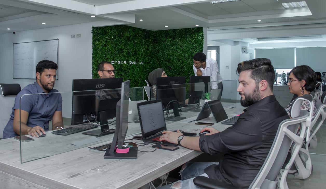 Cyber Division: Une multinationale Déconstruit les normes des entreprises en Tunisie