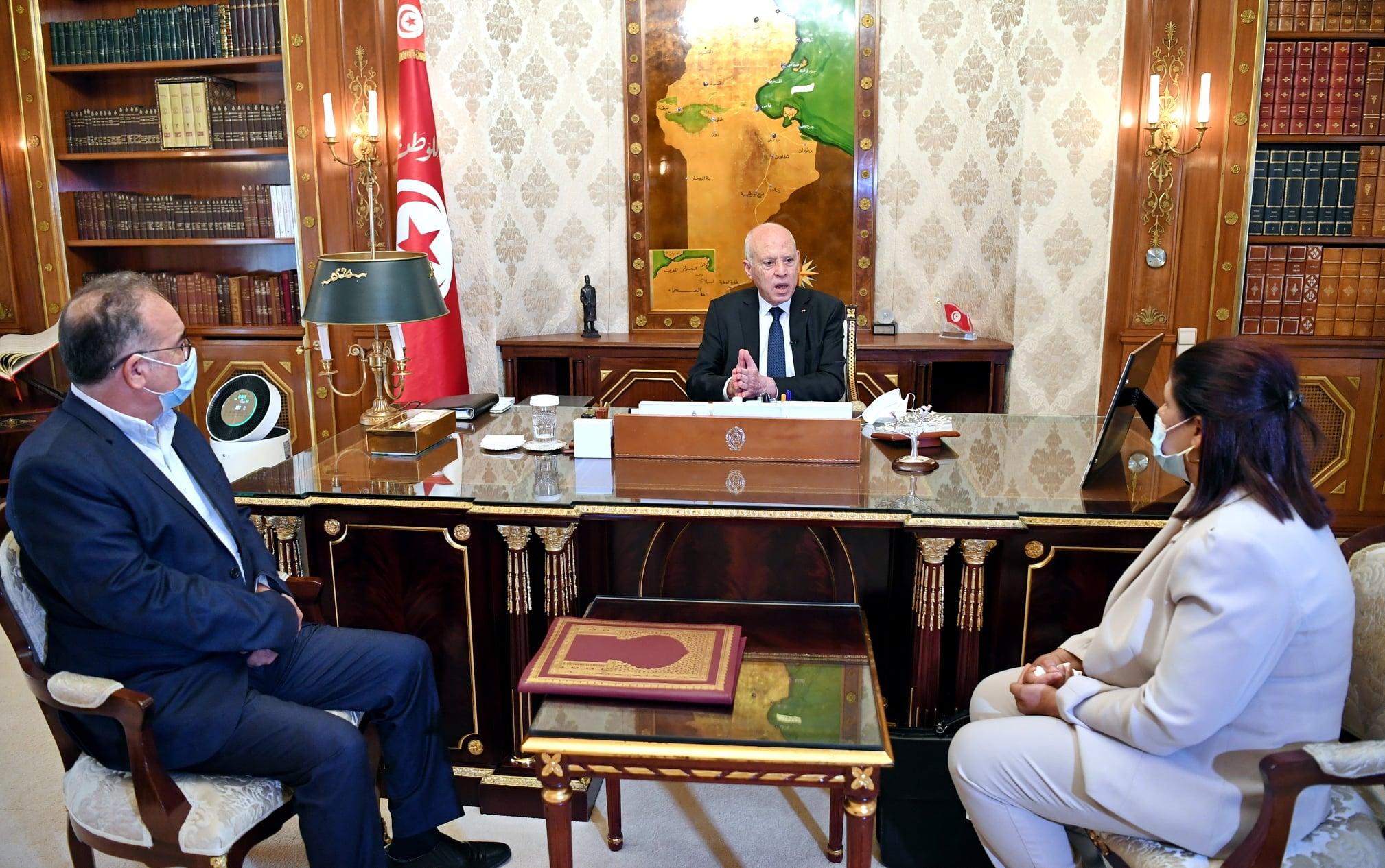 Tunisie : Le président reçoit le ministre des Affaires Sociales et la chargée de gestion du ministère des finances