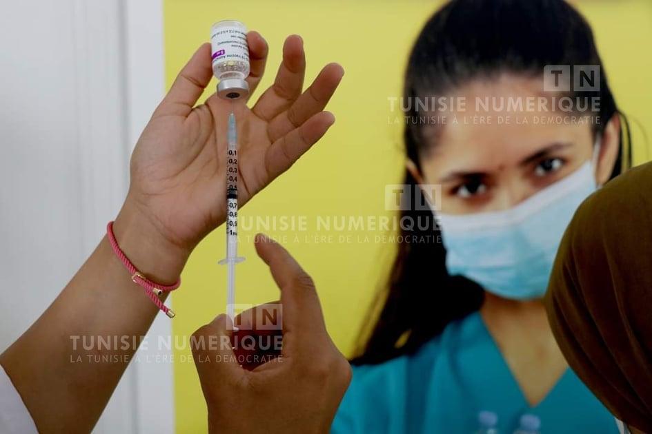 Béja: Campagne de vaccination dans le marché aux bestiaux
