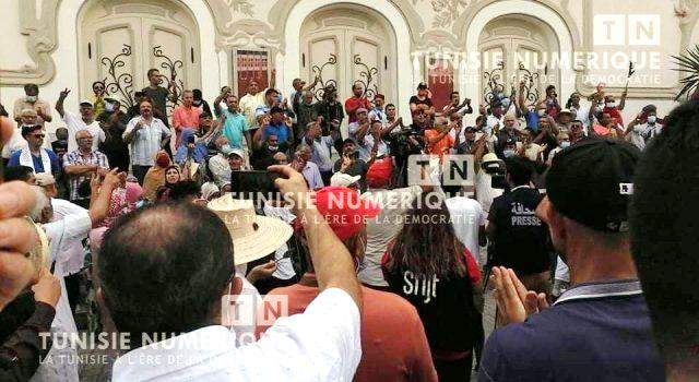 Tunisie – VIDEO: La parole à la Rue : On joue avec le feu !