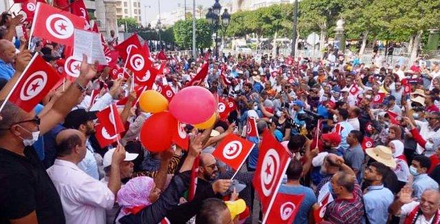 Tunisie – Trois mille manifestants à l'avenue Bourguiba