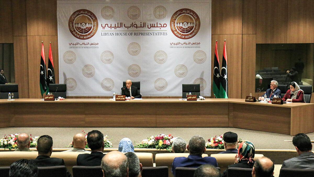 Le Parlement libyen retire sa confiance au gouvernement