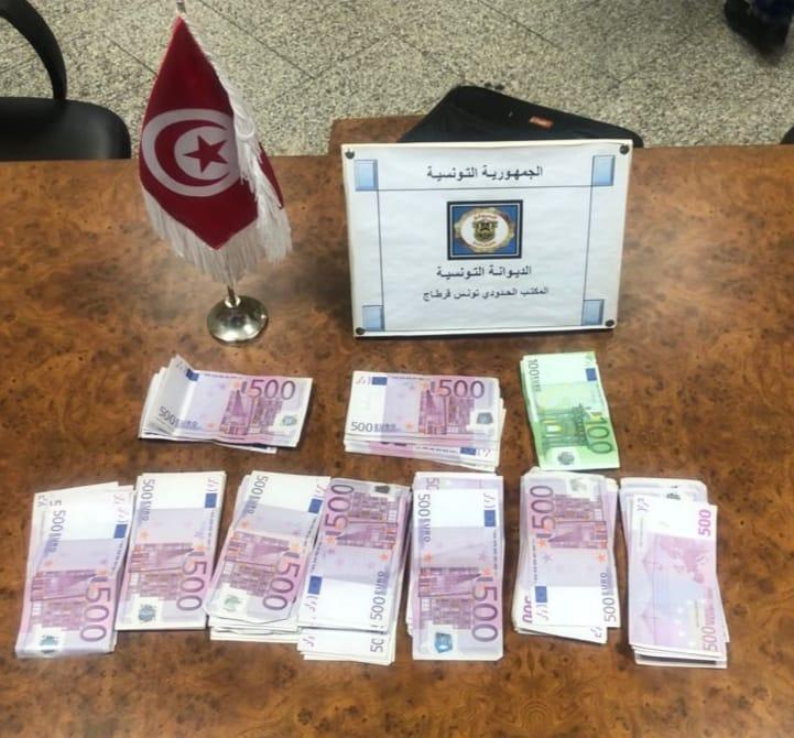 Aéroport Tunis-Carthage: Arrestation d'un voyageur étranger en possession de 111 mille euros