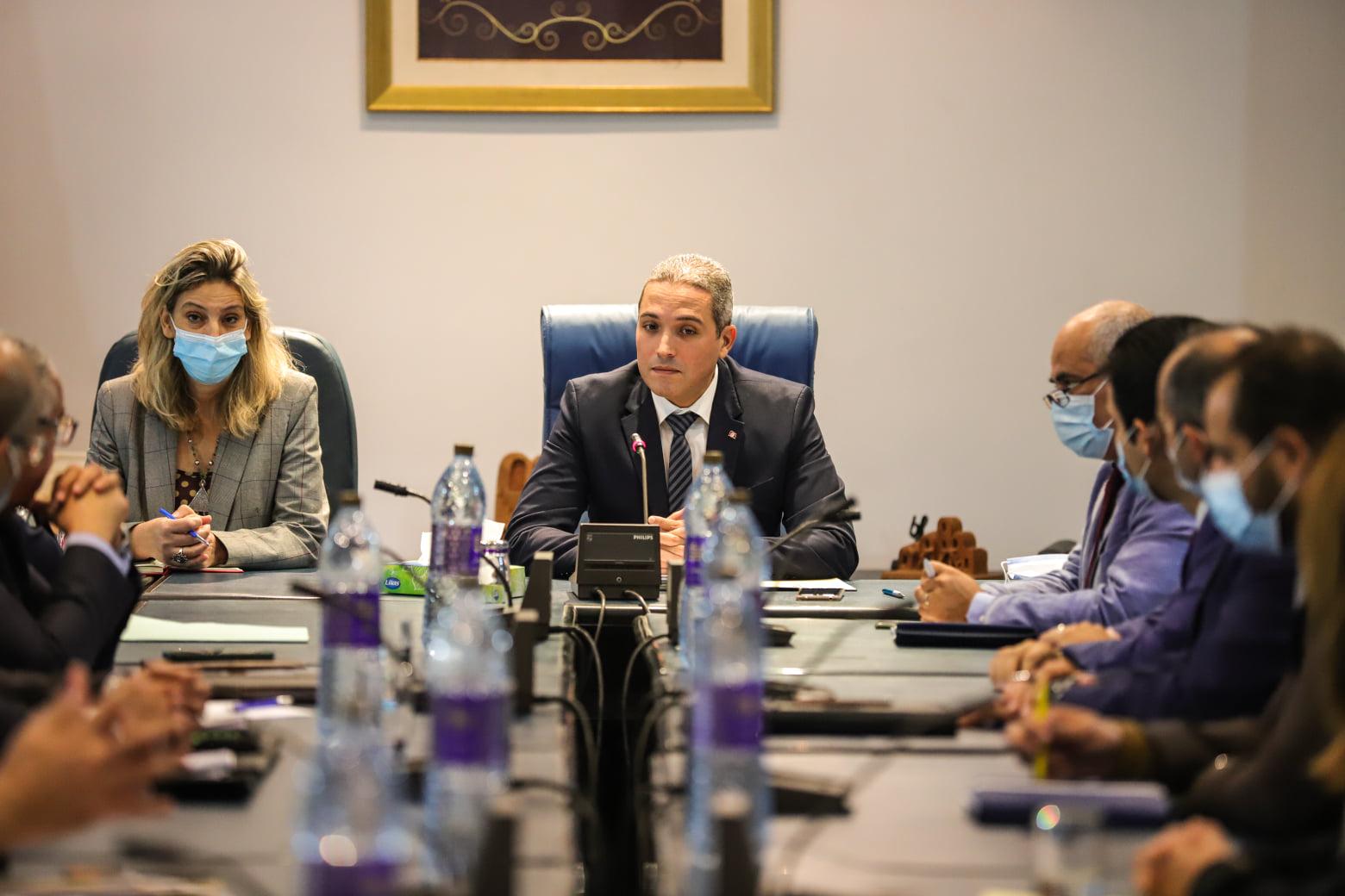 Le ministre Mohamed Moez Belhassine se réunit avec les directeurs généraux des établissements sous tutelle