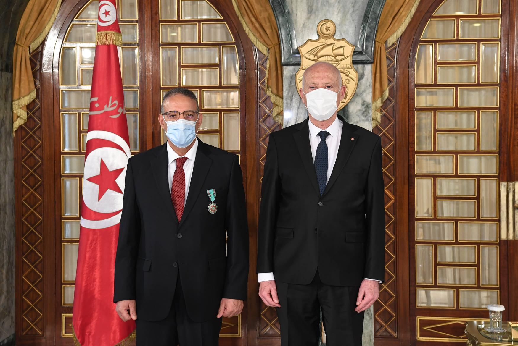 Ridha Gharsallaoui décoré par le président de la République Kais Saied
