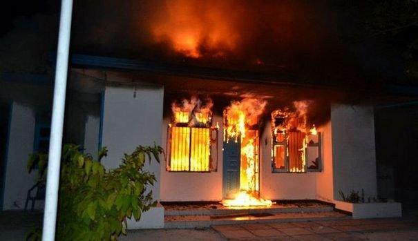 Un poste de police incendié à Teboulbou à Gabès