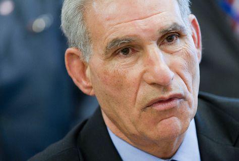 Tunisie: Les raisons officielles de la démission de Houcine Dimassi ministre des Finances