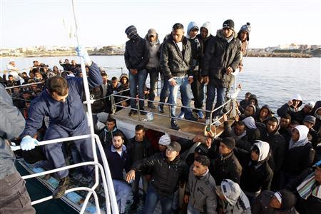 tunisie une m re cherche son fils parti depuis 8 mois dans une tentative d 39 immigration clandestine. Black Bedroom Furniture Sets. Home Design Ideas