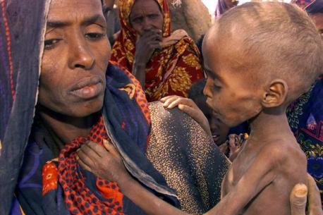 """""""Fin de la famine"""" en Somalie : quelle réalité derrière l'annonce ?"""
