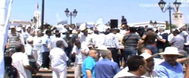 Vidéo-Tunisie: Près de 1500 manifestants à la Place de La Kasbah à Tunis