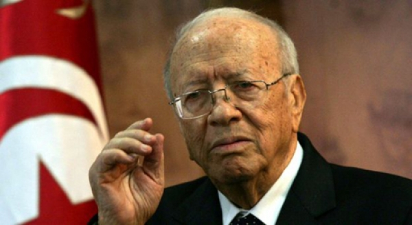 Tunisie: Essebsi juge le gouvernement actuel sans crédibilité
