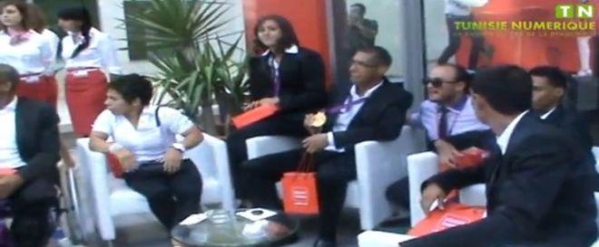 Vidéo: Tunisiana rend hommage aux médaillés tunisiens des jeux paralympiques