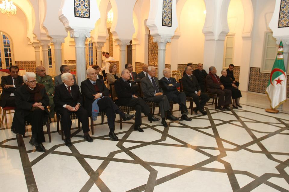 L'Algérie décore 50 personnalités tunisiennes dont Béji Caied Essebsi