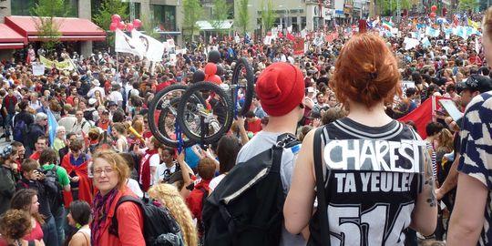 Québec: Les étudiants mécontents bénéficient du soutien de la rue