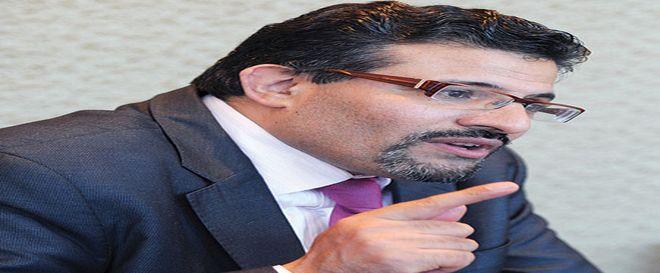 Tunisie: Rafik Abdessalem nie l'existence de problèmes syndicaux et affirme l'authenticité de son diplôme
