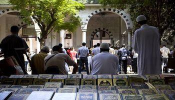 Tunisie: Jets de pierres par des fidèles après leur sortie de la mosquée El Fateh