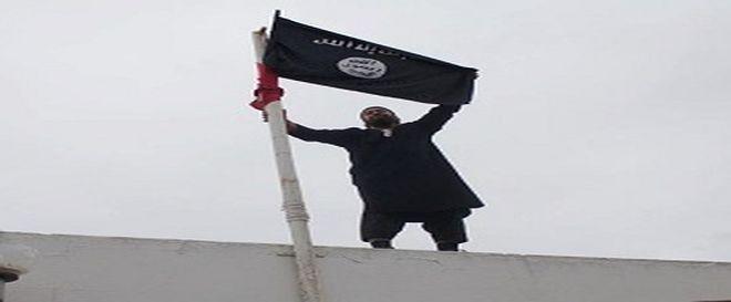 Le salafiste qui a outragé le drapeau s'est rendu aux forces de sécurité
